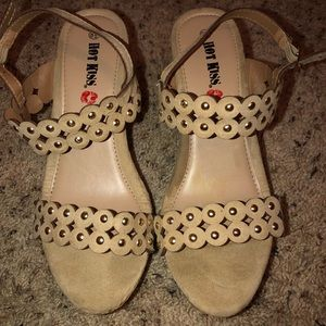 HotKiss wedges